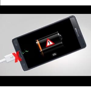 Sửa lỗi điện thoại Samsung hết pin sạc không lên nguồn