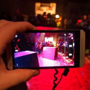 Cách fix lỗi camera ám tím trên HTC One M7 hiệu quả