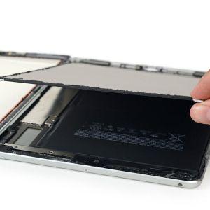 Phải làm gì khi màn hình iPad bị bụi vào màn hình