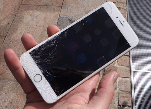 sửa lỗi điện thoại iphone loạn cảm ứng khi cắm sạc