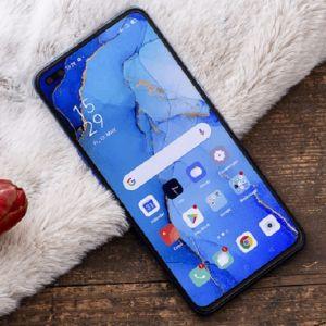 Tại sao điện thoại Samsung tự sáng màn hình?